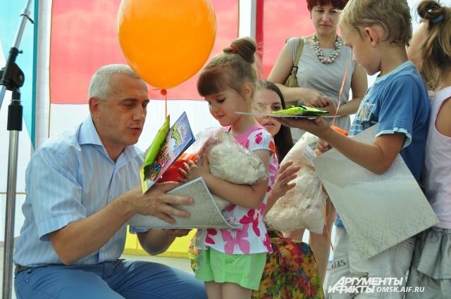 ПАО «Плюс Банк» подарил подарки всем участникам конкурса.