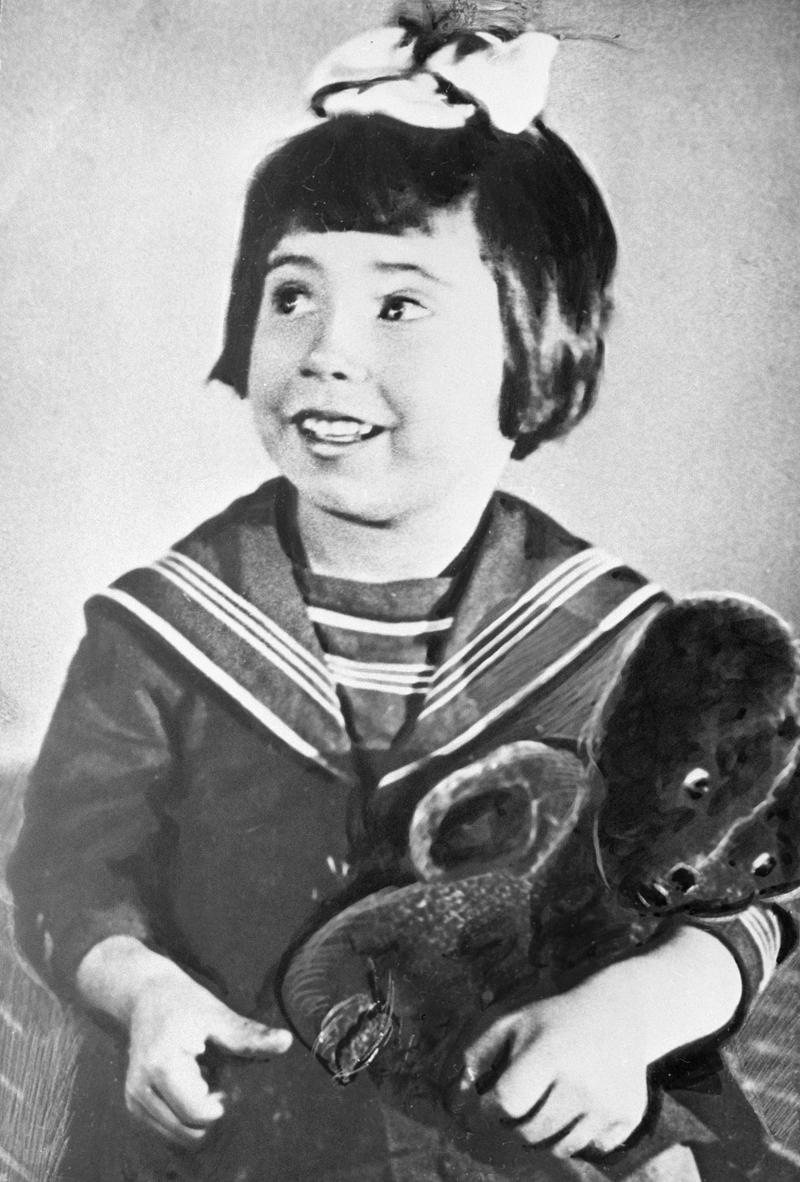 Татьяна Самойлова в детстве. 1938 год.