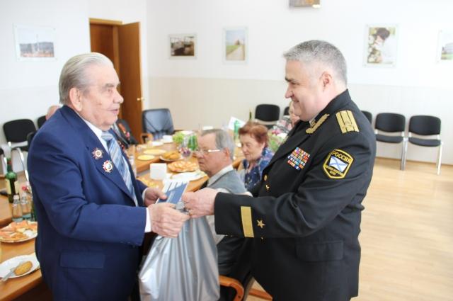 Ветеранов ежегодно поздравляют с памятной датой.