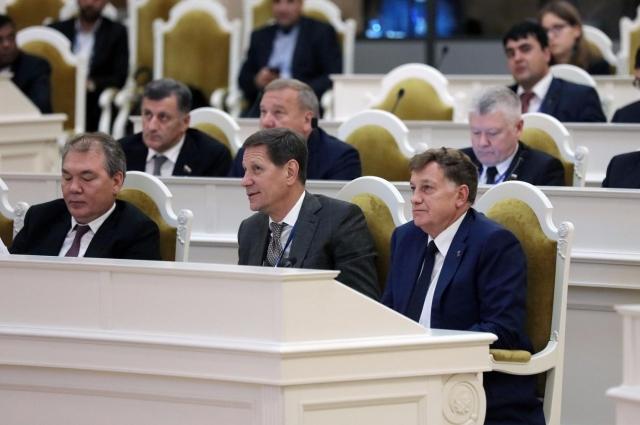 В работе Совета участвовал и  председатель ЗакСа Петербурга Вячеслав Макаров