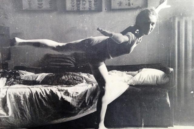 Лена Отрощенко позирует маме Татьяне Яблонской.