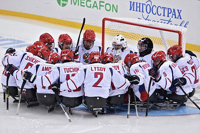 Игроки сборной России перед началом матча с командой США