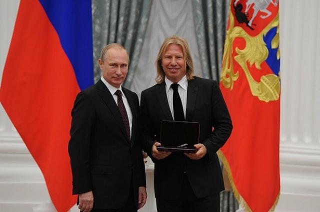 В 2014 году Дробыш получил звание заслуженного артиста РФ.