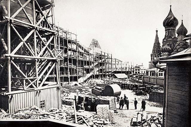 Строительство Верхних торговых рядов, 1892 год