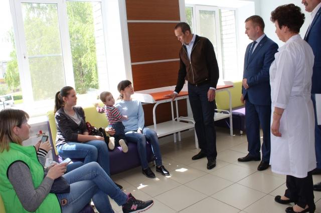 Михаил Игнатьев лично интересуется здоровьем пациентов в новой поликлинике Новочебоксарска