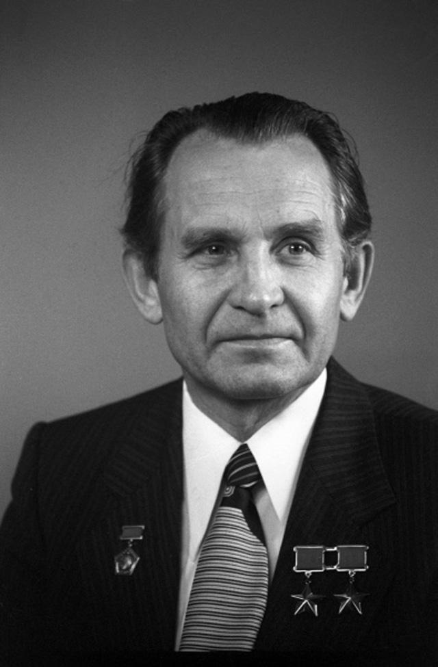 Космонавт СССР, дважды Герой Советского Союза Олег Макаров