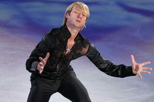Евгений Плющенко выступает в шоу Опера на льду Санкт-Петербург. 2013 год