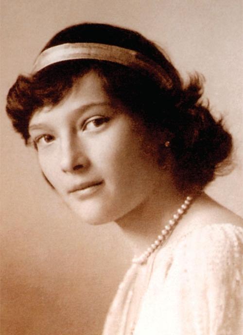 «Великая Княжна Татьяна Николаевна была столь же обаятельной, как и Её старшая сестра, но по-своему».