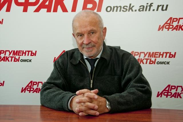 Минжуренко до недавнего времени был членом Общественной палаты Омской области.