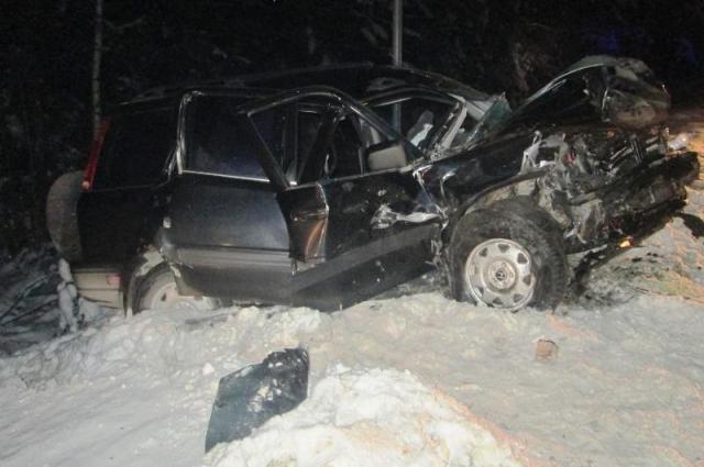 Два человека получили травмы и один погиб.