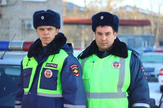 На место выехали лейтенант полиции Юрий Шаров и старший лейтенант полиции Станислав Худяков.
