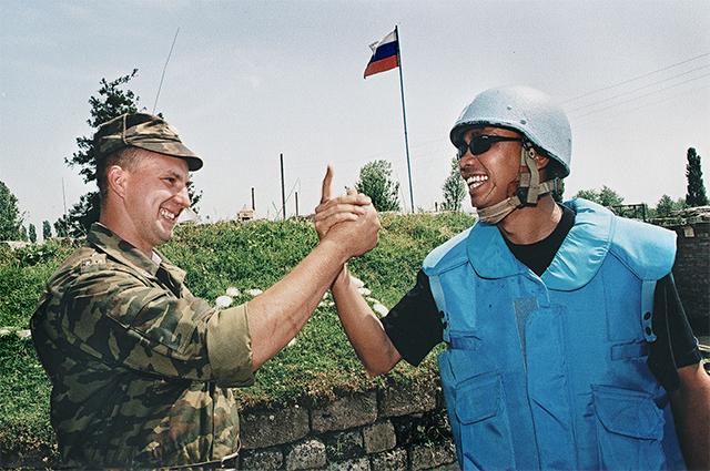 Миротворцы ООН в Грузии. Фото из коллекции Нино Мелия. 2008 год.