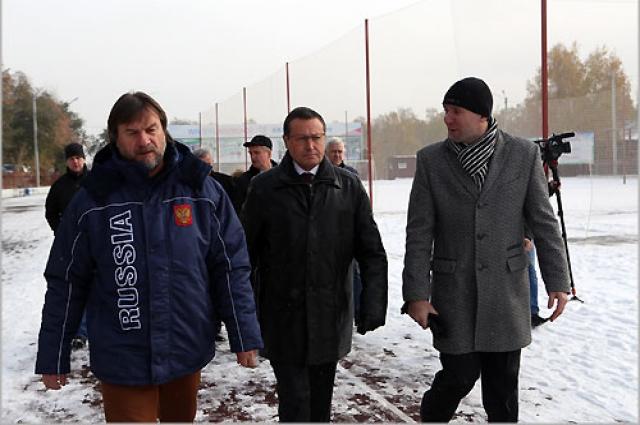 Эдхам Акбулатов провел выездное совещание по вопросу подготовки спортивных объектов к началу зимнего сезона.
