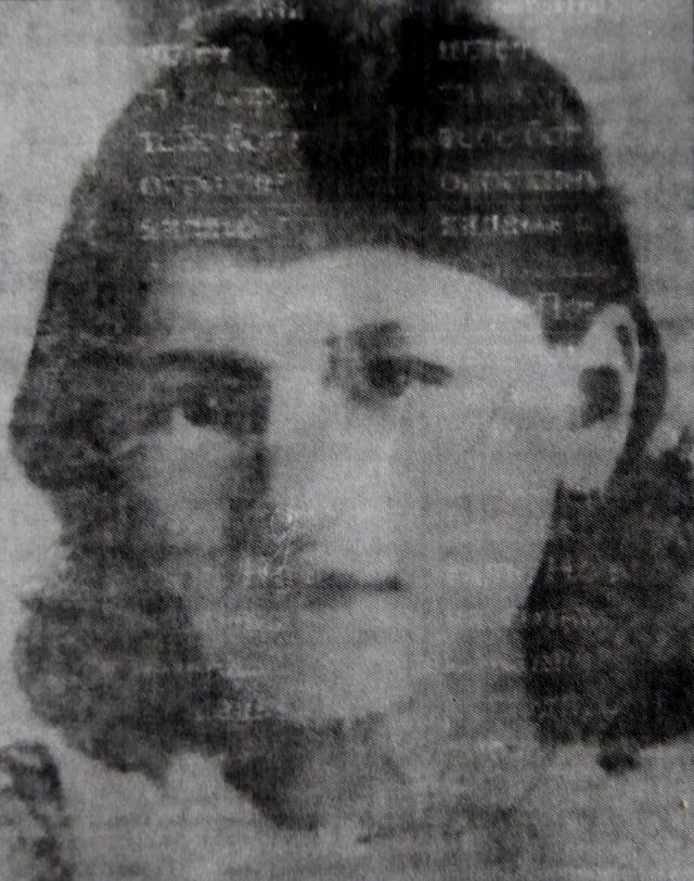 Вскоре после начала войны Женя вступила в партизанский отряд.