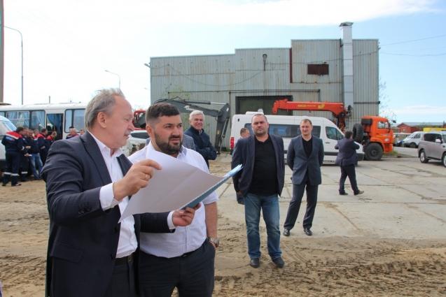 Показали градоначальнику и проект планируемого к строительству производственного здания