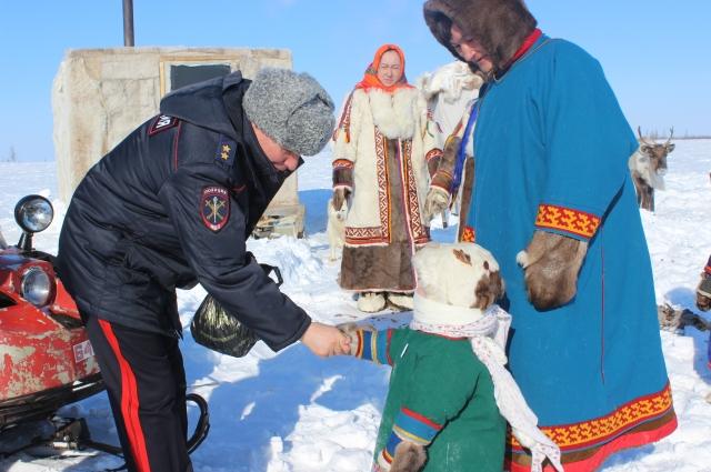 Александр Речицкий выезжает в самые отдаленные районы края, чтобы встретиться с местным населением.