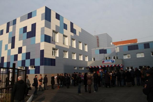 Здание нового бассейна.