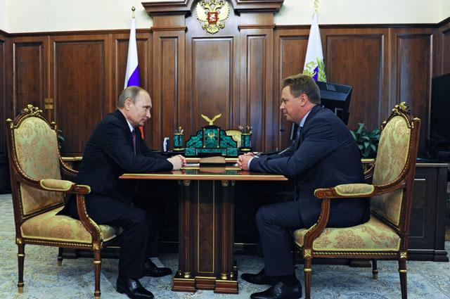Владимир Путин и Дмитрий Овсянников.