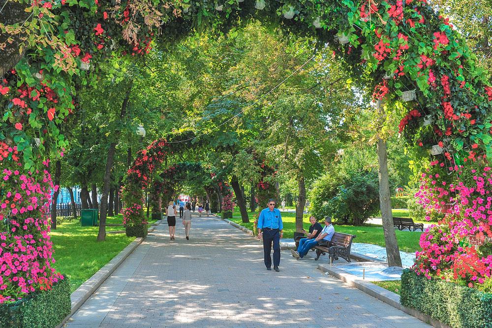 Страстной бульвар - лучшее место для встреч и прогулок.