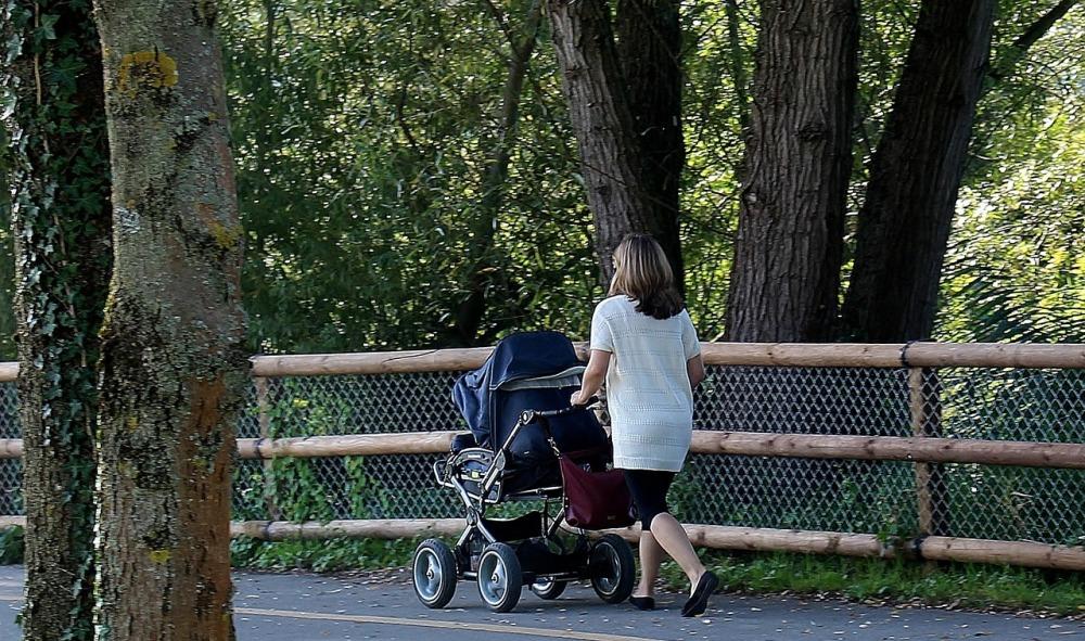 Эксперты советуют гулять пешком на дальние растояния.