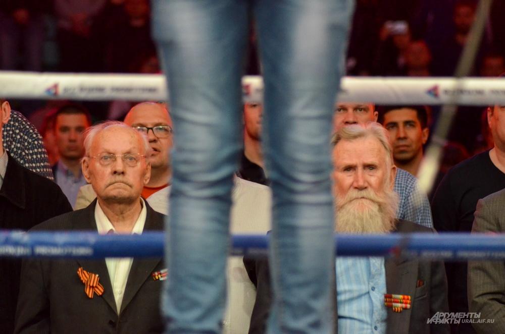 Ветераны ВОВ на вечера бокса в ДИВСе.
