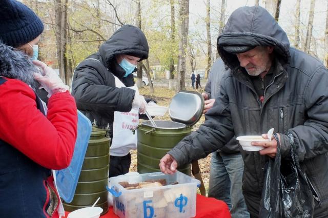 Волонтёры будут готовить для нуждающихся полноценные горячие обеды всю зиму.