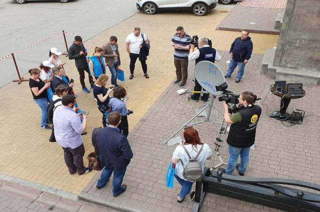 Кемеровским журналистам рассказали и показали в действии, как работает антенна.