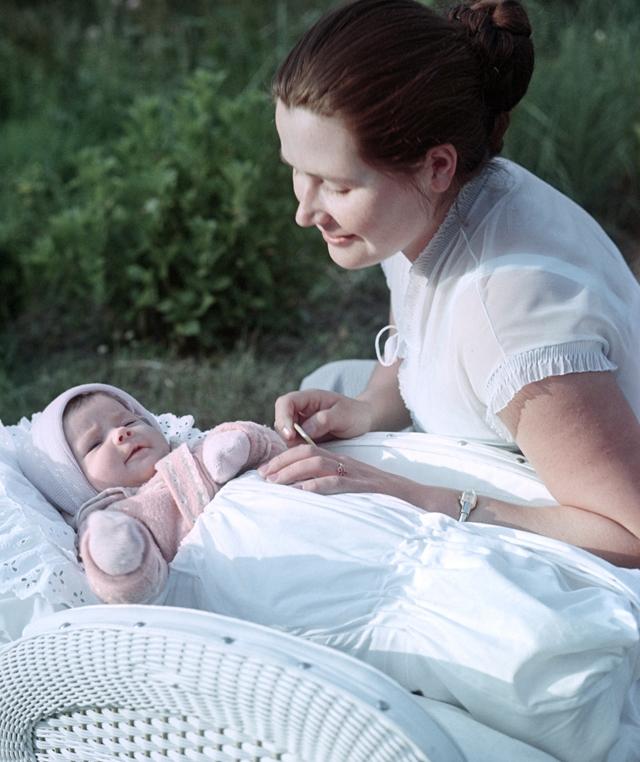 Валентина Гагарина с дочкой Галей.