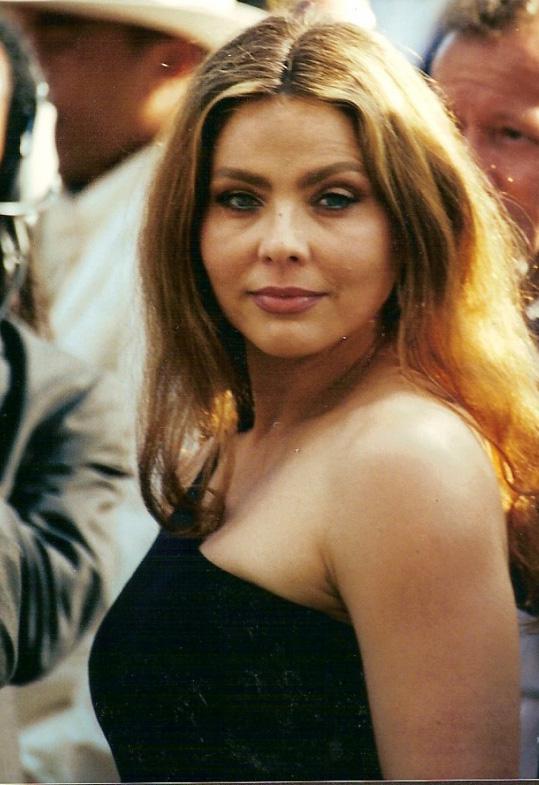 Орнелла Мути в 2000 году