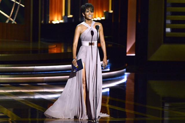 Холли Берри на церемонии вручения премии Эмми-2014