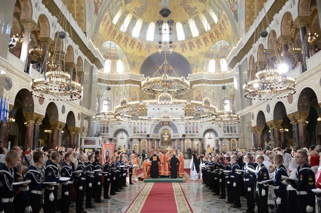 Священный синод придал Морскому собору ставропигиальный статус.