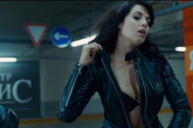 Дебют Юлии Снигирь в голливудском боевике.
