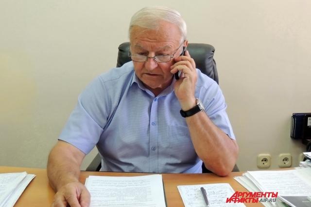 Председатель Ассоциации крестьянских (фермерских) хозяйств Краснодарского края Виктор Сергеев узнаёт о проблемах аграриев из первых уст.
