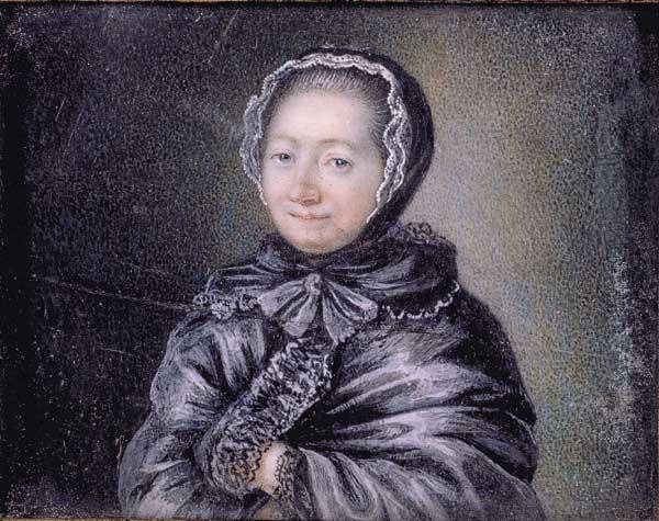 Жанна-Мари Лепренс де Бомон существенно сократила сказку своей предшественницы мадам де Вильнёв и безжалостно повычеркивала из нее сцены для взрослых.