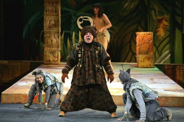 Артёр работает в одном театре более 40 лет.