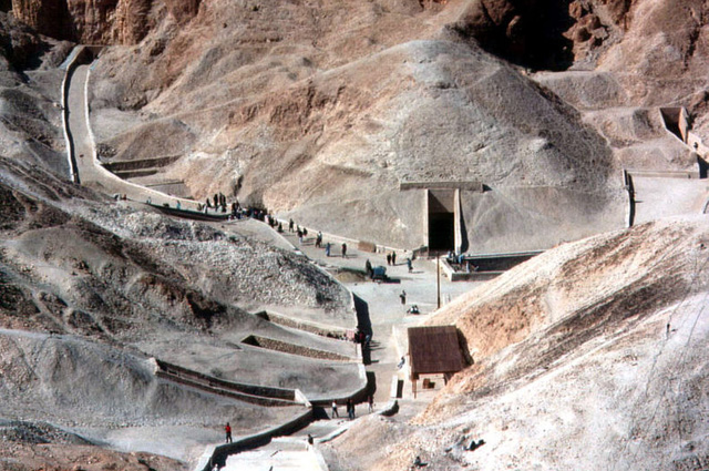 Гробница Тутанхамона (KV62), открытая Картером.