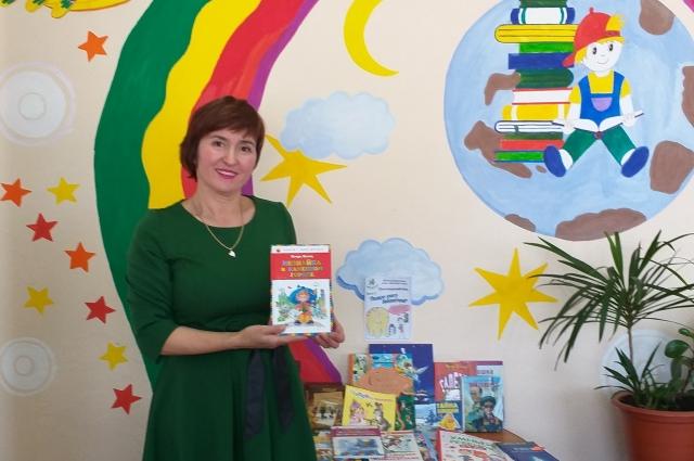 Ирина Давлетова работает в детском читальном зале.