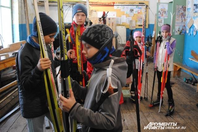 Новое поколение кувандыкских лыжников.