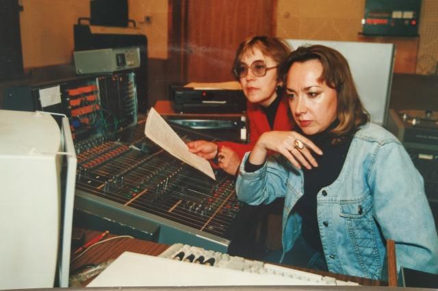 В студии - с Аллой Фоминой в процессе работы над радиофильмом