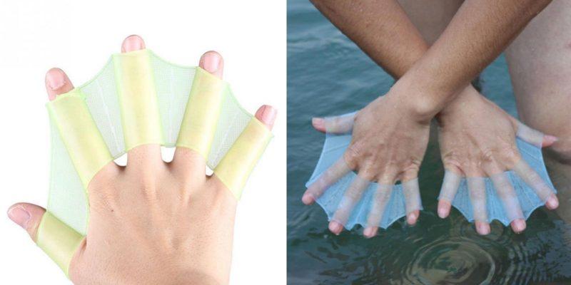 Благодаря ластам для рук спортсмен лучше ощущает воду и потому плывёт быстрее.