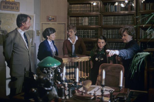 Саманта Смит и её родители в музее Кабинет и квартира В. И. Ленина в Кремле