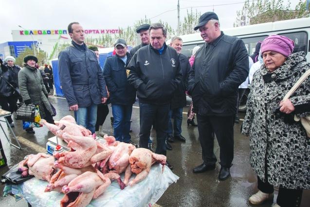 Такие ярмарки всегда пользуются спросом, поэтому их нужно проводить, считает губернатор Городецкий.