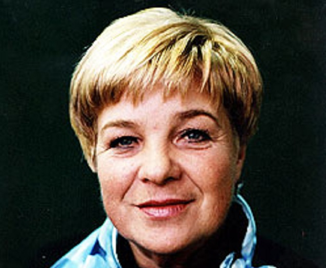 Тренер Ольга Стебенева, воспитавшая легендарную Наталью Лаврову, не бросает Ренату и Сашу.