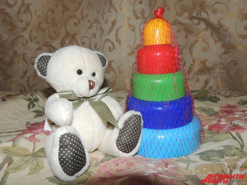 На память об их ребёнке Татьяне и Николаю остались только эти игрушки.