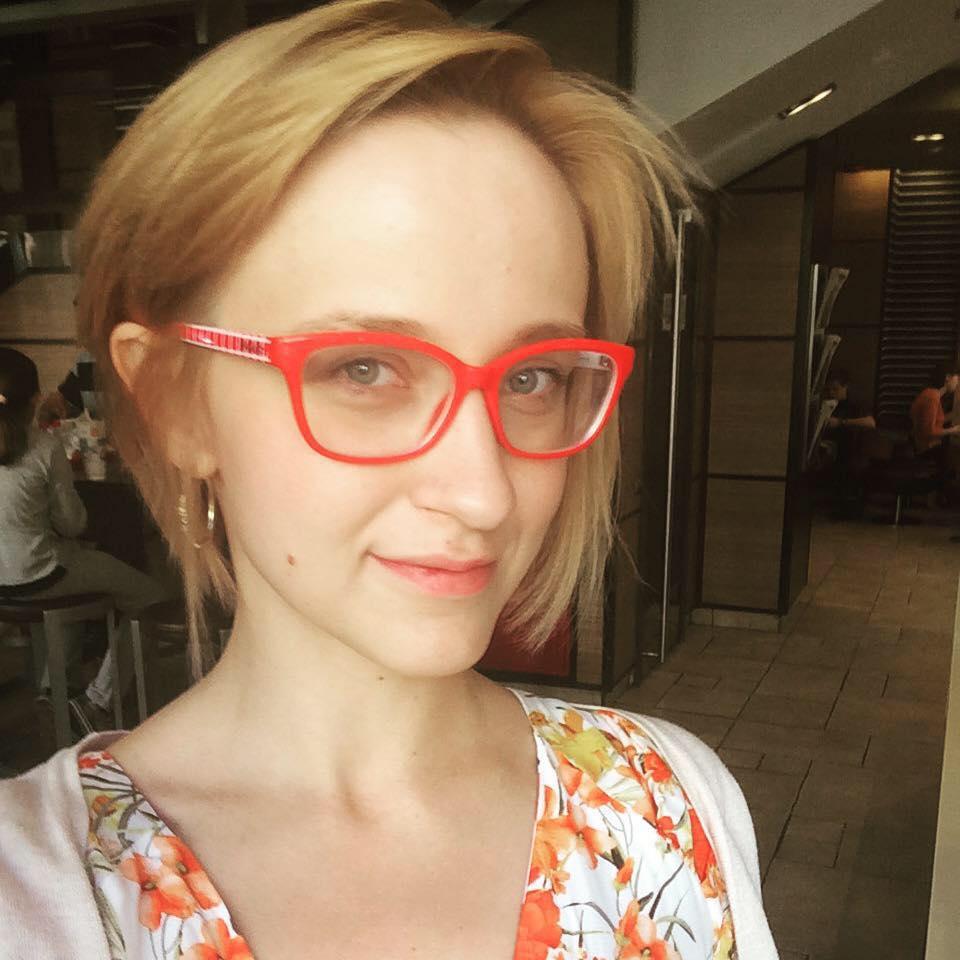 Ольга Служаева: Сейчас мы можем взять работы у авторов на временное хранение и организовать выставку, а у кого можно будет взять работы через 70 лет.