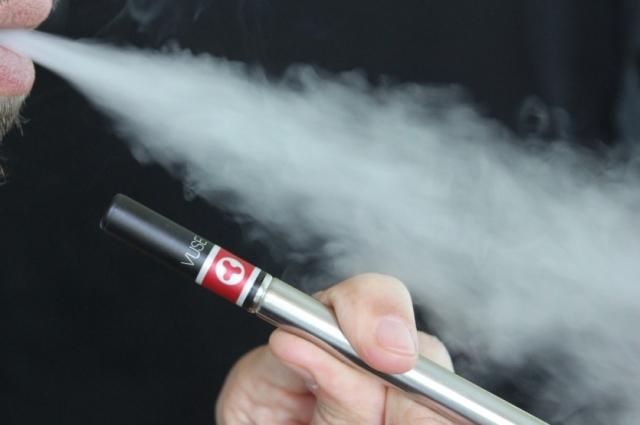 Электронные сигареты тоже вызывают зависимость.