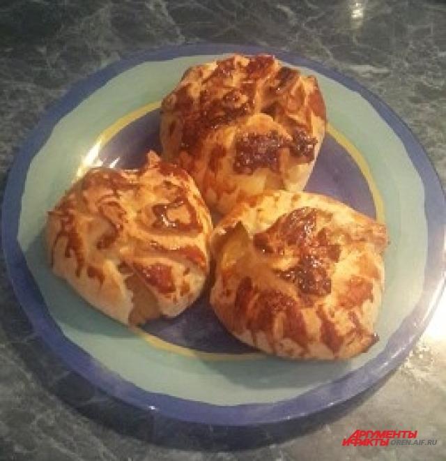 Румяные яблочки станут украшением стола в новогодние праздники.