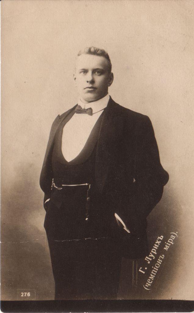 Георг Лурих знал 10 иностранных языков.