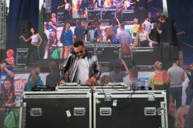 Хедлайнером фестиваля стал DJ Alexey Romeo.