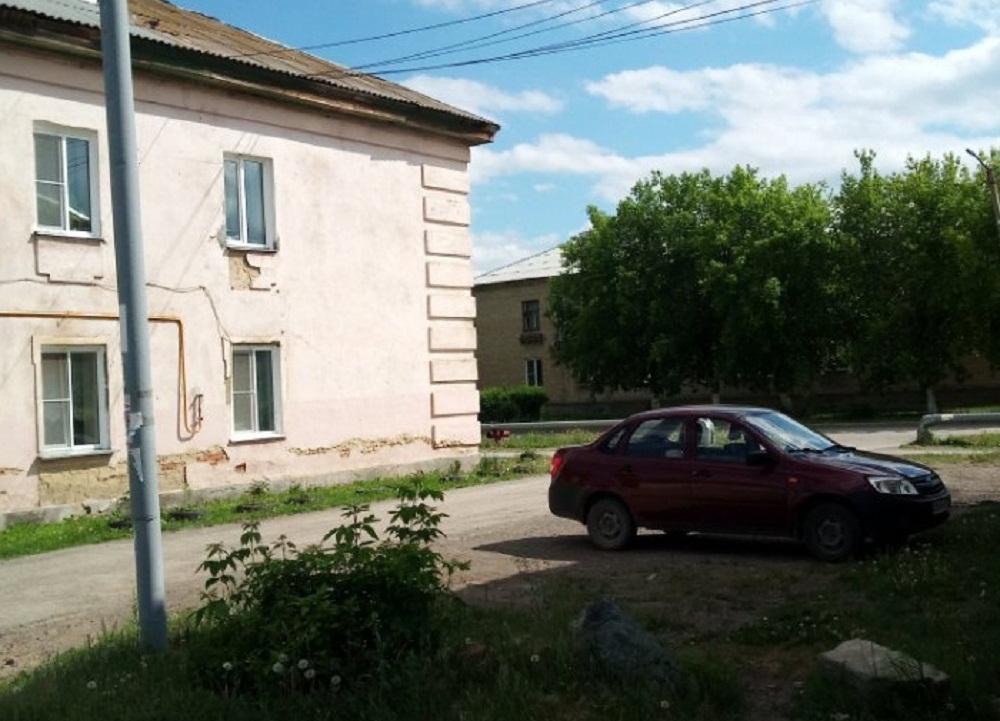 В таких домах чиновники купили квартиры сиротам.